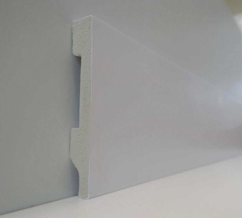 Zocalo Top Line 75- Presentacion por una varilla- Waterproof- 14x75x2400mm